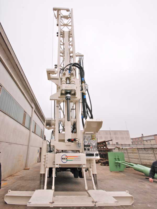 WEI D40 Truck Mounted Drilling Rig – DRILLING RIG 40 MTON